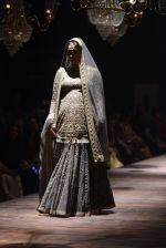Kareena Kapoor walk the ramp for Sabyasachi Show Grand Finale at Lakme Fashion Week 2016 on 28th Aug 2016 (180)_57c5436b97e97.JPG