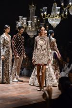 Kareena Kapoor walk the ramp for Sabyasachi Show Grand Finale at Lakme Fashion Week 2016 on 28th Aug 2016 (210)_57c544a8ad0ef.JPG