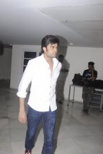 Manish Paul at Krishna Abhishek_s fathers prayer meet on 29th Aug 2016 (40)_57c5550aa2512.JPG