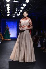 Model walk the ramp for Architha Narayanam Show at Lakme Fashion Week 2016 on 28th Aug 2016  (25)_57c5423de1c2c.JPG