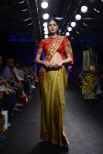Model walk the ramp for Architha Narayanam Show at Lakme Fashion Week 2016 on 28th Aug 2016  (13)_57c541de805b9.JPG