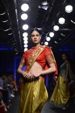 Model walk the ramp for Architha Narayanam Show at Lakme Fashion Week 2016 on 28th Aug 2016  (15)_57c541ede2978.JPG
