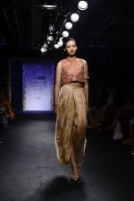 Model walk the ramp for Architha Narayanam Show at Lakme Fashion Week 2016 on 28th Aug 2016  (9)_57c541c29a3de.JPG