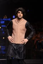 Model walk the ramp for Kunal Rawal Show at Lakme Fashion Week 2016 on 28th Aug 2016 (165)_57c5467ee3d47.JPG
