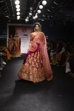 Model walk the ramp for Saroj Jalan Show at Lakme Fashion Week 2016 on 28th Aug 2016  (13)_57c5420688491.JPG