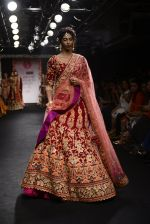 Model walk the ramp for Saroj Jalan Show at Lakme Fashion Week 2016 on 28th Aug 2016  (14)_57c54212916bf.JPG