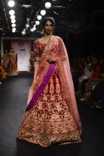 Model walk the ramp for Saroj Jalan Show at Lakme Fashion Week 2016 on 28th Aug 2016  (15)_57c5421c6bd0d.JPG