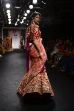 Model walk the ramp for Saroj Jalan Show at Lakme Fashion Week 2016 on 28th Aug 2016  (16)_57c54222913d1.JPG