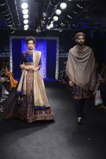 Model walk the ramp for Saroj Jalan Show at Lakme Fashion Week 2016 on 28th Aug 2016  (18)_57c5423dbc318.JPG