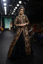 Model walk the ramp for Saroj Jalan Show at Lakme Fashion Week 2016 on 28th Aug 2016  (25)_57c542908451c.JPG