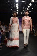 Model walk the ramp for Sumona Parekh Show at Lakme Fashion Week 2016 on 28th Aug 2016 (58)_57c54136cb053.JPG