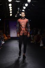 Model walk the ramp for Sumona Parekh Show at Lakme Fashion Week 2016 on 28th Aug 2016 (41)_57c540dc3e18f.JPG