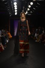 Model walk the ramp for Sumona Parekh Show at Lakme Fashion Week 2016 on 28th Aug 2016 (45)_57c540ead3c98.JPG