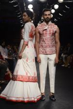 Model walk the ramp for Sumona Parekh Show at Lakme Fashion Week 2016 on 28th Aug 2016 (60)_57c5413ca64ea.JPG