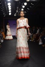 Model walk the ramp for Sumona Parekh Show at Lakme Fashion Week 2016 on 28th Aug 2016 (61)_57c54140154d1.JPG