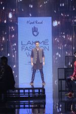 Ranbir Kapoor walk the ramp for Kunal Rawal Show at Lakme Fashion Week 2016 on 28th Aug 2016 (691)_57c5490306579.JPG