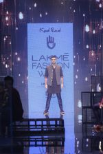 Ranbir Kapoor walk the ramp for Kunal Rawal Show at Lakme Fashion Week 2016 on 28th Aug 2016 (693)_57c5491196d23.JPG
