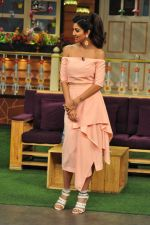 Shilpa Shetty on the sets of The Kapil Sharma Show on 30th Aug 2016 (143)_57c55bc6ce6fd.JPG