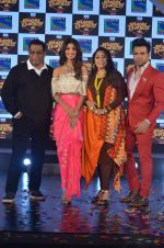 Shilpa Shetty, Geeta Kapoor, Anurag Basu at Super Dancer launch on 29th Aug 2016 (56)_57c552a3c7ec9.JPG