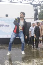 Sidharth Malhotra at iit powai for marathon on 29th Aug 2016 (11)_57c54a949d604.JPG