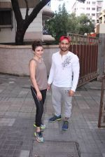 Soha Ali Khan and Kunal Khemu snapped post gm workout on 29th ug 2016 (1)_57c550c2c5ccb.JPG