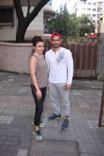 Soha Ali Khan and Kunal Khemu snapped post gm workout on 29th ug 2016 (9)_57c550c8177ff.JPG