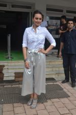 Sonakshi Sinha promote Akira in Mumbai on 28th Aug 2016 (16)_57c5431917c6c.JPG