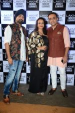 at Sabyasachi Show Grand Finale at Lakme Fashion Week 2016 on 28th Aug 2016 (11)_57c5440d8ed5f.JPG