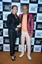 at Sabyasachi Show Grand Finale at Lakme Fashion Week 2016 on 28th Aug 2016 (2)_57c543b5d118d.JPG