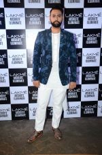at Sabyasachi Show Grand Finale at Lakme Fashion Week 2016 on 28th Aug 2016 (42)_57c543c7e5e1c.JPG