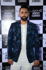 at Sabyasachi Show Grand Finale at Lakme Fashion Week 2016 on 28th Aug 2016 (45)_57c543eb2a894.JPG