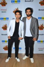 Armaan Malik, Amaal Malik at Big FM Golden Voice event on 30th Aug 2016 (37)_57c682750d2d2.JPG