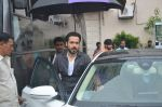 Emraan Hashmi, Kriti Sanon snapped at Mehboob on 30th Aug 2016 (21)_57c683b276f11.JPG