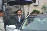 Emraan Hashmi, Kriti Sanon snapped at Mehboob on 30th Aug 2016 (22)_57c683b453d36.JPG