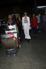 Malaika Arora Khan snapped at airport on 30th Aug 2016 (29)_57c6818c8bac1.JPG