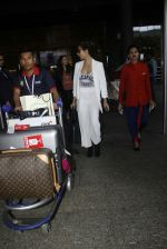 Malaika Arora Khan snapped at airport on 30th Aug 2016 (30)_57c6818e8c796.JPG