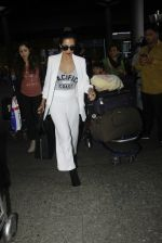 Malaika Arora Khan snapped at airport on 30th Aug 2016 (32)_57c6819274754.JPG