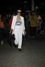 Malaika Arora Khan snapped at airport on 30th Aug 2016 (33)_57c6819410cdc.JPG