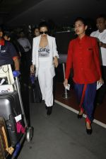 Malaika Arora Khan snapped at airport on 30th Aug 2016 (37)_57c6819a8c6cf.JPG