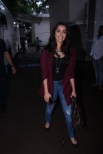 Shraddha Kapoor snapped on the sets of Rock on 2 on 30th Aug 2016 (25)_57c683fc91802.JPG
