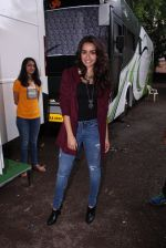 Shraddha Kapoor snapped on the sets of Rock on 2 on 30th Aug 2016 (32)_57c6840ddecca.JPG