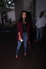 Shraddha Kapoor snapped on the sets of Rock on 2 on 30th Aug 2016 (41)_57c6841c386c2.JPG