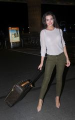 Amy Jackson snapped at airport on 30th Aug 2016 (8)_57c7cd729786d.JPG