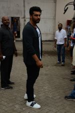 Arjun Kapoor snapped at Mehboob on 31st Aug 2016 (52)_57c7db37c203a.JPG