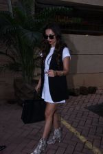 Malaika Arora Khan snapped post lunch on 31st Aug 2016 (1)_57c7dadb4adee.JPG