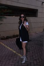 Malaika Arora Khan snapped post lunch on 31st Aug 2016 (10)_57c7daea7dac0.JPG