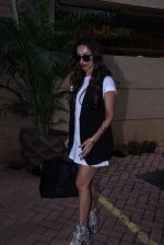 Malaika Arora Khan snapped post lunch on 31st Aug 2016 (12)_57c7daee00867.JPG