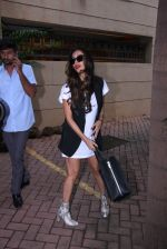 Malaika Arora Khan snapped post lunch on 31st Aug 2016 (8)_57c7dae75e49d.JPG
