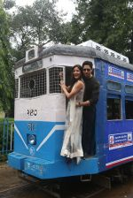 Sidharth Malhotra and Katrina Kaif in Kolkatta on 31st Aug 2016 (38)_57c7dac0c162b.jpg