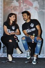 Soha Ali Khan, Vir Das at 31st october trailer launch in Mumbai on 31st Aug 2016 (21)_57c7f0c160868.JPG